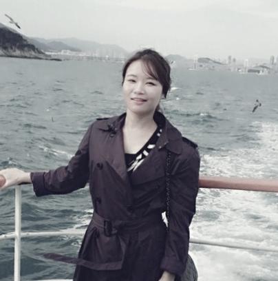 Wonyoung-Ma-off